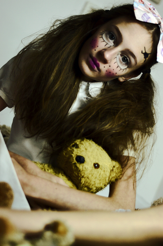 creepy doll make-up and hair inspiration photo shoot