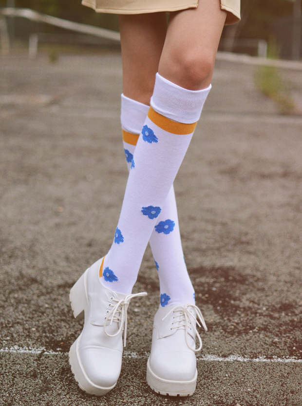 Mooi en Lief by Tolly Dolly Posh Fashion Socks Give-Away - Camp Blanc