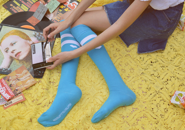 Mooi en Lief by Tolly Dolly Posh Socks Electric Blue Give-Away